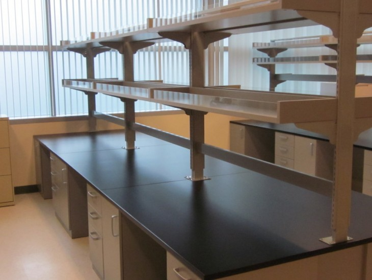 Omni lab solutions are a manufacturer and supplier of entire mass spec solutions together with mass spec benches, device carts and Instrument cart.